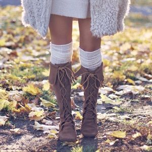 Minnetonka Front Lace Knee High Boot Tan 8